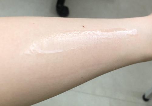 透明白肌ホワイトローション 伸び 浸透